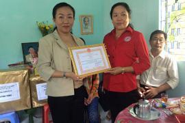 Trao nhà tình thương cho hộ nghèo ở phường Ba Láng, quận Cái Răng