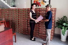 Tặng quà từ thiện cho trẻ em vùng sâu, vùng xa của tỉnh Bình Phước
